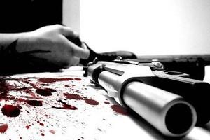 Αυτοπυροβολήθηκε μπροστά στη μητέρα του